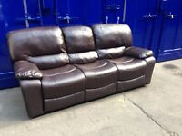 Stunning **IMMACULATE**Leather brown recliner sofa, excellent condition!!! Delivery available