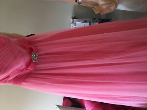 Beautiful pink princess dress size 4