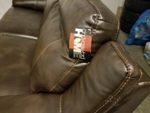 BNIB CINDY CRAWFORD Novo Brown Leather Fabric sofa,1 YR Warranty