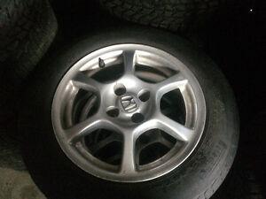 Plusieurs pneus d'ÉTÉ à vendre