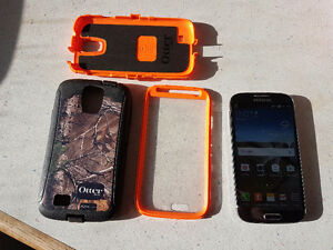 Samsung Galaxy S4 mint condition with otter box