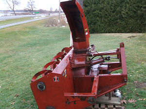 International 80 Dual Auger Snowblower Kingston Kingston Area image 3