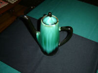 Blue Mountain Pottery coffee pot GUC (258Y)
