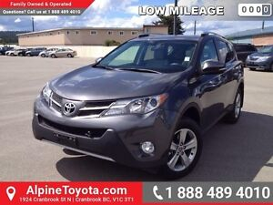 2015 Toyota Rav4 XLE   Like new, low km, one owner, sunroof, no