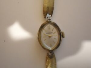 Vintage Woman's Tourneau  17 Jewels Wind Up Dress Watch