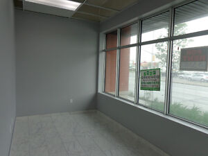 Office space for lease at corner of Hunt Club - Merivale