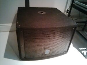 Yorkville Active Subwoofer - Scary Loud and Compact Sub dj band