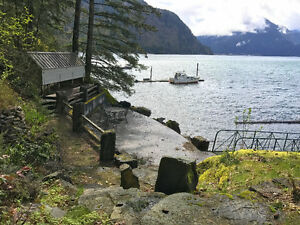 Waterfront 3 Bed Home with mile wide views over Harrison Lake