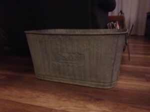Antique/Vintage Beatty Wash Basin/Tub