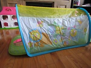 **REDUCED** Tummy time tunnel - Asking $10 OBO