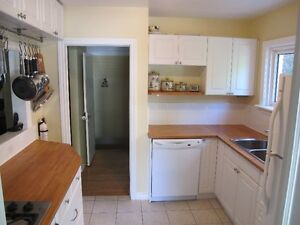 UWO- 126 EMPRESS Ave,, Looking for 1 student.