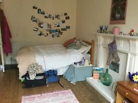 Two double rooms in 3 bed Marchmont flat. Students only. Available September