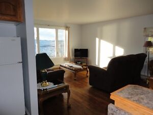 Fully furnished, completely renovated, 3 bedroom, ocean view