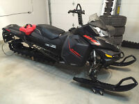 "2015 SKI DOO SUMMIT XM 800 ETEC 163"" TRACK BLACK/RED"