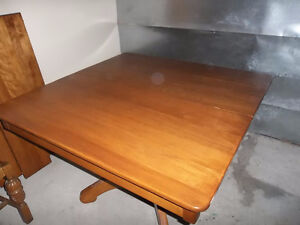 solid wood extendable dining table Kawartha Lakes Peterborough Area image 2