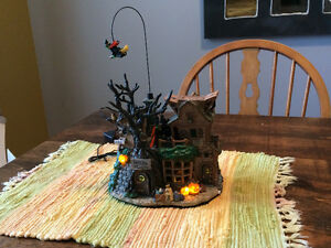 Halloween - Annimated Witches Lair Decoration Kingston Kingston Area image 1