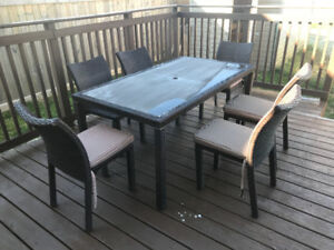 Patio Table - 6 Chairs
