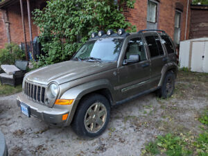 $1400 OBO - 2007 Jeep Liberty - 315K KM - Selling as is