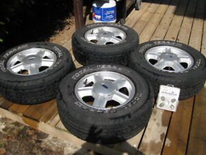 2004 ford escape xlt tire size