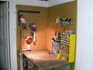 Work bench & tool holder Kawartha Lakes Peterborough Area image 1