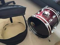 """Century 18"""" bass drum with the soft case"""