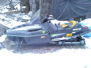 1998 Arctic Cat sled 700cc snowmobile