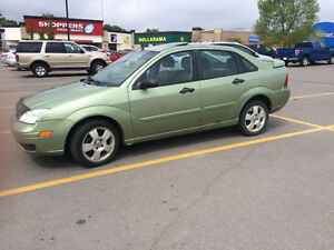 2007 Ford Focus Sedan must sell ASAP leather heated seats