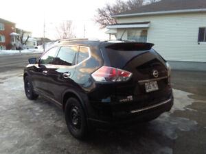 Nissan Rogue SV 2015 – Noir