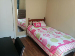 $400 Female Student Room-Only Girls House-Welland
