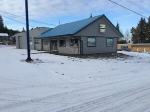 COMMERCIAL BUILDING  PRIME HIGHWAY LOCATION 100 MILE HOUSE