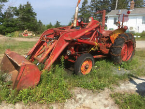 Tractor 1960 IH with loader