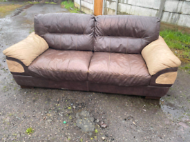 Beautiful sofa excellent condition need picking up