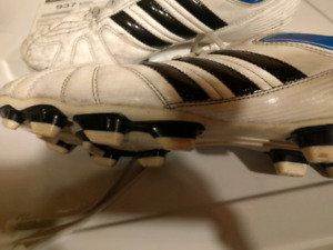 Size 11 Mens Soccer Cleats