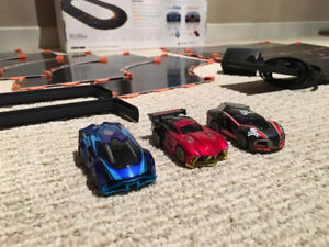 ANKI OVERDRIVE STARTER KIT - GENTLY USED w/ BOX + 3rd CAR!