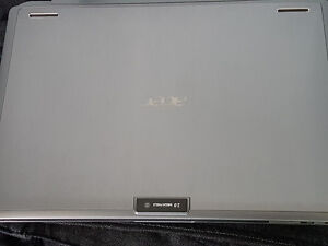 """Acer One 10 S1002-145A - 10.1"""" - Atom ZACER ONE NETBOOK For Sale"""