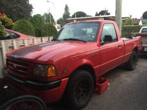 Je vends Ranger 2003 motor nouveau  49,000 milles .
