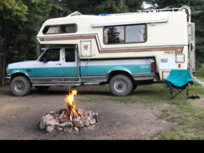 1995 Ford F-250 XLT 4x4 7.3 long box with Bigfoot 11.5 camper