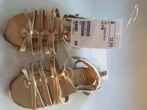 Girls gold sandals toddler size 7.5 Kingston Kingston Area image 2