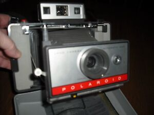 Polaroid Automatic 220 Land Camera