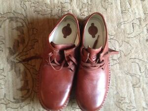 Brand New Brown leather men shoes for sale