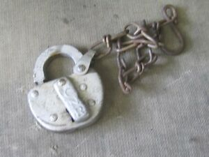 OLD CNR CANADIAN NATIONAL PADLOCK LOCK $20 NO KEY