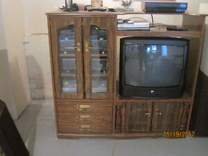 Wall Unit with older TV works good