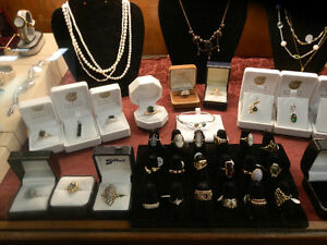 Great selection of vintage and estate jewellery. Kitchener / Waterloo Kitchener Area image 1
