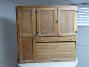 Unusual Hoosier Style Hutch