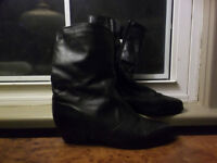 Black leather winter boots excellent condition