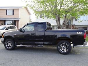 2004 Ford F-150   Heritage edition Pickup Truck 4x4