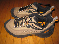 New Merrell Hiking  Outdoor Shoes Mens Size 8