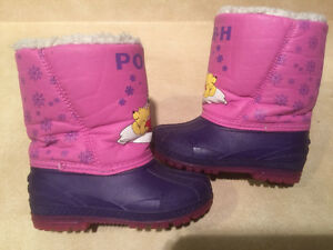 """Toddler """"Winnie The Pooh"""" Winter Boots Size 8 London Ontario image 1"""