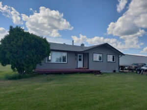 Well maintained Hobby Farm for sale 13 km outside Evansburg!