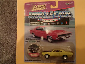JOHNNY LIGHTNING - MUSCLE CARS USA - 1969 PLYMOUTH ROAD RUNNER Sarnia Sarnia Area image 1